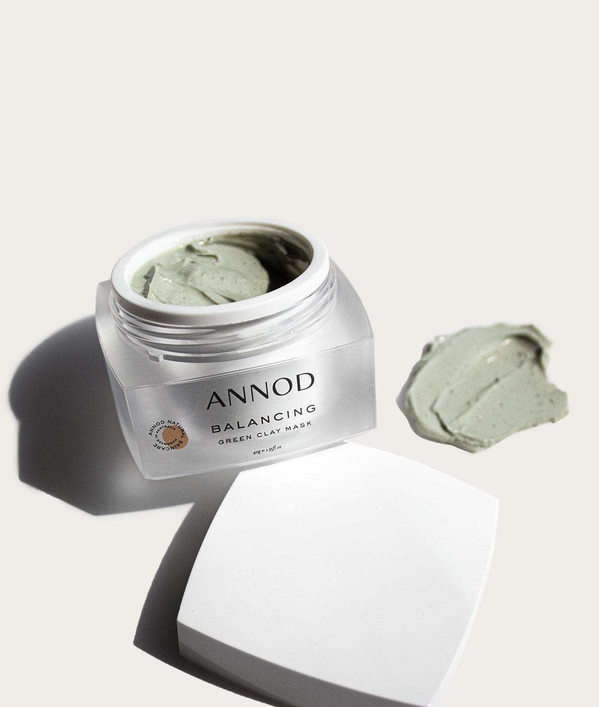 Balancing Green Clay Mask Texture